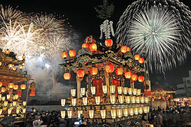 일본 삼대 예산 축제의 하나인 지치부 밤 축제