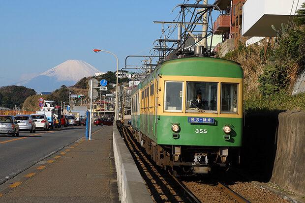 晴朗的冬日从湘南远眺富士山