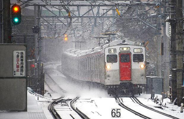 รถไฟขบวน ชุด 7000 ในฤดูหนาว