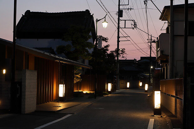 ทางเดินโคมไฟกระดาษนากาเระยามะฮอนโจ